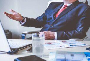 Kiedy warto skorzystać z pomocy radcy prawnego?